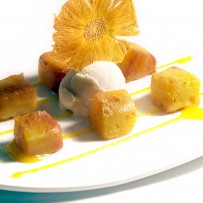 Baked pineapple with coconut ice cream